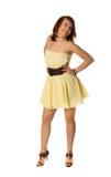 Mooie vrouw in beige kleding Stock Foto's