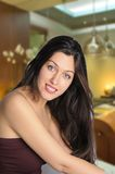Mooie vrouw bij kuuroord Royalty-vrije Stock Foto