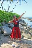 Mooie vrouw bij strand Royalty-vrije Stock Foto's