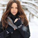Mooie vrouw in de winter - sluit omhoog royalty-vrije stock fotografie