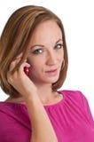 Mooie vrouw die op een celtelefoon spreekt Royalty-vrije Stock Afbeeldingen