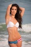 Mooie vrouw in een bikini Stock Afbeelding
