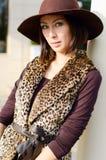 Mooie vrouw in een hoed Royalty-vrije Stock Foto's