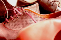 Mooie vrouw en man schoenen Stock Fotografie