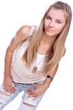 Mooie vrouw in jeans met hondmarkering Stock Fotografie