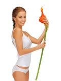 Mooie vrouw met calla lilly Stock Afbeelding