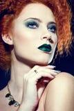 Mooie vrouw met creatieve make-up Stock Foto