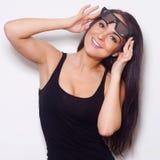Studio van mooie vrouw met 3D glasess is ontsproten die Royalty-vrije Stock Afbeeldingen