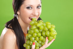 Mooie vrouw met druif royalty-vrije stock foto's
