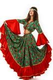 Mooie vrouw met een zigeunerkleding stock afbeelding