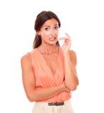 Mooie vrouw met hand gesturing fout royalty-vrije stock afbeelding