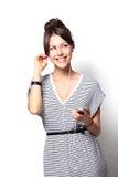 Mooie vrouw met hoofdtelefoons stock afbeeldingen