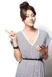 Mooie vrouw met hoofdtelefoons royalty-vrije stock foto's