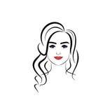 Mooie vrouw met kapsel en make-up Stock Fotografie