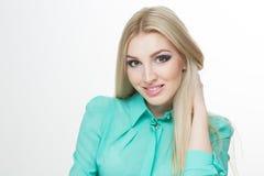 Mooie vrouw met lange rechte blonde haren Royalty-vrije Stock Afbeeldingen