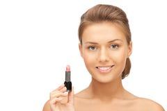 Mooie vrouw met lippenstift royalty-vrije stock afbeeldingen
