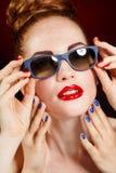 Mooie vrouw met perfecte make-up Stock Foto's