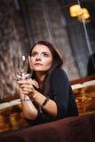 Mooie vrouw in nachtclub Royalty-vrije Stock Fotografie