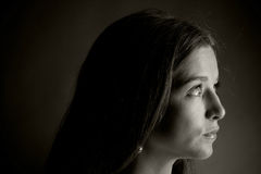 Mooie vrouw in suspense Royalty-vrije Stock Fotografie