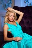 Mooie vrouw zoals een prinses in het paleis Luxueus rijk FA Royalty-vrije Stock Foto