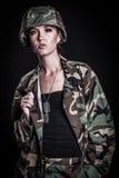 Mooie vrouwelijke militair stock afbeelding