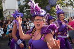 Mooie vrouwen bij Notting-Heuvel Carnaval Stock Fotografie
