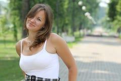 Mooie vrouwen in het park Stock Foto