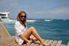 Mooie vrouwen in het strand Stock Foto