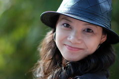 Mooie vrouwen met hoed Stock Foto
