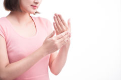 Mooie vrouwenhanden met Franse manicurespijkers die op een witte achtergrond worden geïsoleerd Stock Fotografie