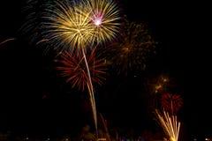 Mooie vuurwerkvertoning voor vierings Gelukkig nieuw jaar 2016, Royalty-vrije Stock Foto