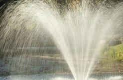 Mooie waterfontein royalty-vrije stock foto