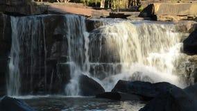Mooie waterval stock videobeelden