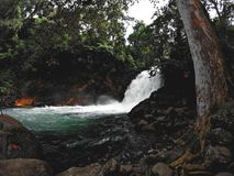 Mooie waterval in het hout Royalty-vrije Stock Fotografie