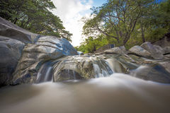 Mooie Waterval in Thailand Stock Foto's
