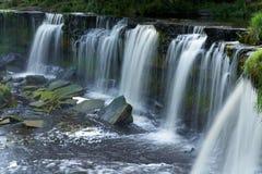 Mooie watervallen royalty-vrije stock afbeeldingen