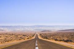 Mooie weg in de woestijn Royalty-vrije Stock Foto