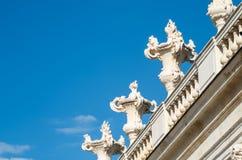 Mooie witte steen klassieke balustrade Stock Afbeeldingen