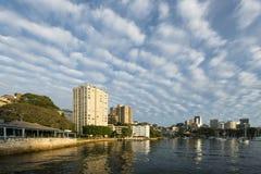 Mooie wolk in de Ochtend in Sydney Stock Afbeeldingen