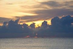 Mooie Wolken bij zonsopgang Stock Foto