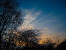 Mooie wolken met boom Royalty-vrije Stock Foto's