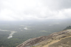 Mooie wolken met horizon en groen Royalty-vrije Stock Foto