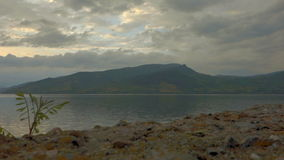 Mooie Wolken over Donau 02 stock videobeelden