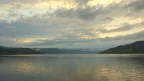 Mooie Wolken over Donau 01 stock videobeelden