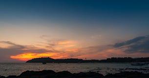 Mooie zeegezichtzonsondergang Stock Foto's