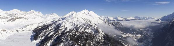 Mooie zonnige dag en de sneeuw in Italiaans Zwitserland lucht Stock Fotografie
