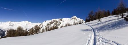 Mooie zonnige dag en de sneeuw in Italiaans Zwitserland lucht Royalty-vrije Stock Foto's
