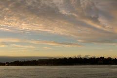 Mooie zonsondergang bij kalme Adriatische overzees Royalty-vrije Stock Afbeelding