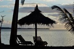 Mooie Zonsondergang bij Kokosnotentoevlucht Fiji stock foto's