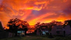 Mooie zonsondergang bij Mijn Huis stock afbeelding